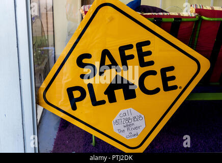JOHNSON CITY, TN, USA-9/30/18: A sign proclaiming a 'safe place' hangs in a store window. - Stock Image