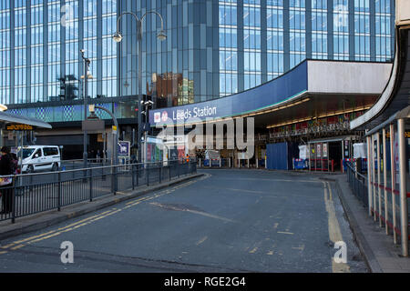 The entrance to Leeds City railway station on New Station street in Leeds, West Yorkshire, U.K. - Stock Image