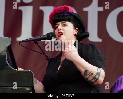 Montreal, Canada. 6/29/2018. Davina and the Vagabonds deliver characteristic New Orleans jazz at the Montreal International Jazz Festival. - Stock Image