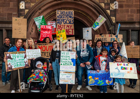 Coventry, West Midlands, UK. 15th March, 2019. A large crowd of protesters gathered outside Coventry Council House this morning with banners and placards in the latest climate change protest. Young people have taken to the streets of the UK in a global protest to try and bring about climate change.  Credit: Andy Gibson/Alamy Live News. - Stock Image
