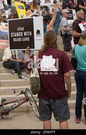 Salt Lake City, Utah, USA. 6th May, 2017. Supporters rally for Bears Ears National Monument at the Utah State Capitol - Stock Image