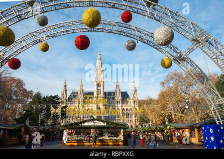 Christmas Market at Neues Rathaus (City Hall) building, Vienna, Austria. - Stock Image