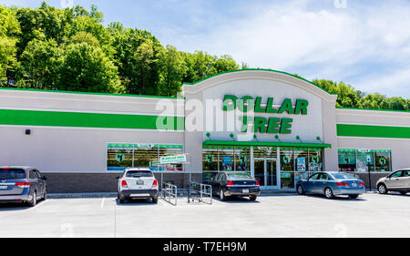 JOHNSON CITY, TN, USA-4/29/19: Dollar Tree is a chain of discount variety stores, headquartered in Chesapeake, Virginia, with over 14,000 stores in th - Stock Image