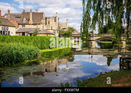Edward Brownings (1845) three-arch bridge over the River Welland in historic Stamford, Lincolnshire, UK - Stock Image