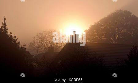 Ashbourne, Derbyshire. 6th Nov, 2017. UK Weather: misty frosty sunrise over Ashbourne Derbyshire, the gateway to - Stock Image