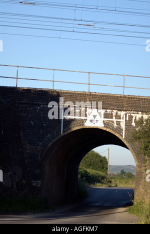 The railway bridge where on the 8th eight August 1963 the infamous Great Train Robbery took place at Sears Crossing near Cheddin - Stock Image