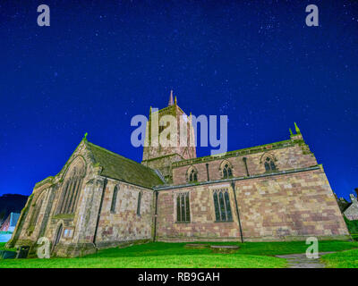 Wirksworth, Derbyshire, Peak District, UK. 8th January, 2019. UK Weather: cold clear stars in the night sky St. Mary's Church, Wirksworth, Derbyshire, Peak District Credit: Doug Blane/Alamy Live News - Stock Image