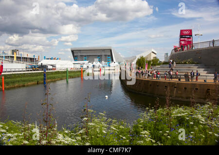 View south along River Lea on a sunny day at Olympic Park, London 2012 Olympic Games site, Stratford London E20 - Stock Image