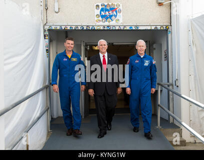 Vice President Mike Pence, center, and NASA astronaut Reid Wiseman, left, and NASA astronaut Pat Forrester, right, - Stock Image