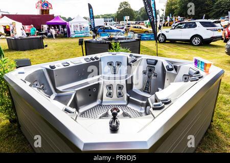 Hot Tub, Spa, Hot Tub Spa, hot tubs, hot tubs spas, Hot tubs, spas, hot tub, new hot tub, empty hot tub, outdoor, outdoor Jacuzzi, Jacuzzi, Jacuzzi's - Stock Image