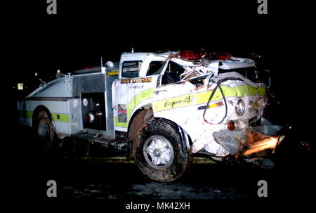 Wrecked fire truck - Stock Image
