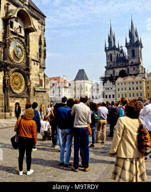 9036. Astronomical Clock with people watching, Prague, Czech Republic, Europe - Stock Image