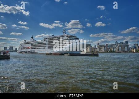 silver spirit cruise ship on thames london - Stock Image