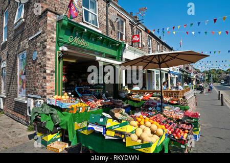 Greengrocers shop on Bishopthorpe Road in York. - Stock Image