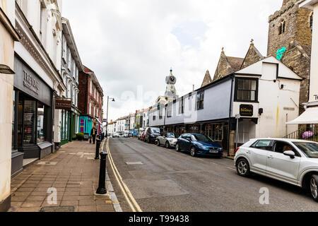 Kingsbridge, Devon, UK, England, Kingsbridge is a market town and tourist hub in the South Hams district of Devon, England, centre, shops, road, - Stock Image
