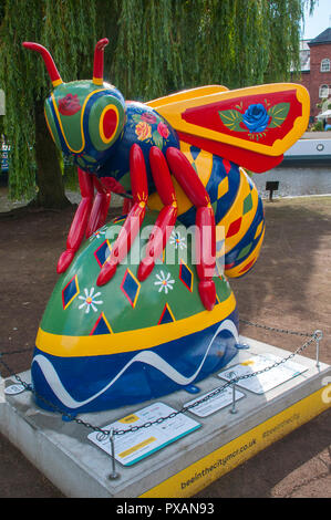 Lock Keepers Bee, by Adam Pryce.  One of the Bee in the City sculptures, Castlefield, Manchester, UK. - Stock Image