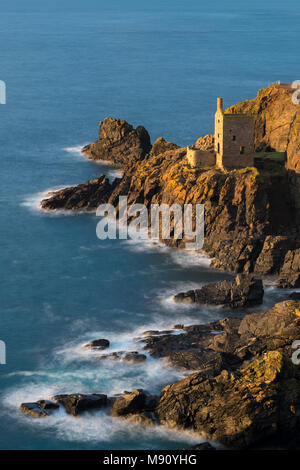 Wheal Crown tin mine engine house clinging to the Cornish cliffs at Botallack, Cornwall, England. Autumn (November) 2017. - Stock Image