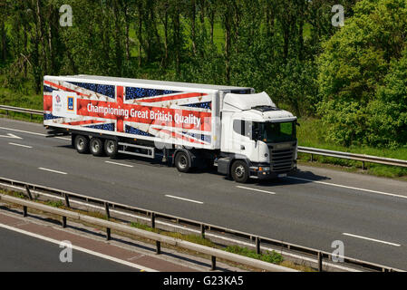 ALDI HGV travelling on the M56 motorway in Cheshire UK - Stock Image