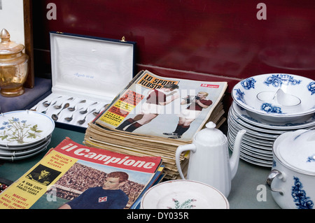 flea market vintage things stall in Florence, Italy - Stock Image