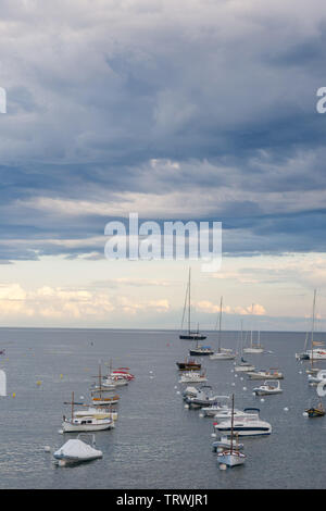 Tourist boat in the port of Cadaques, Costa Brava, province Girona, Catalonia, Spain - Stock Image