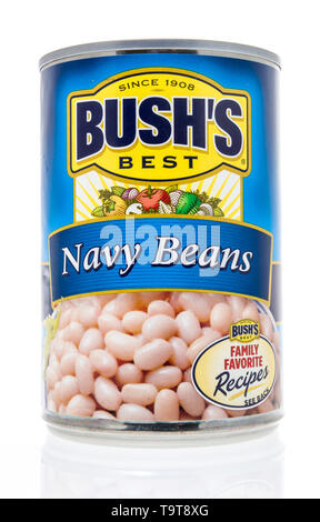 Winneconne, WI - 11 May 2019 : A can of Bushs Best navy beans on an isolated background - Stock Image