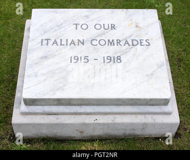 Plaque at foot of Manchester England war memorial To Our Italian Comrades 1915-1918 - Stock Image