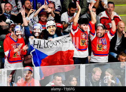 Bratislava, Slovakia. 19th May, 2019. Czech fan wearing Jaromir Jagr masks during the match between Austria and Czech Republic within the 2019 IIHF World Championship in Bratislava, Slovakia, on May 19, 2019. Credit: Vit Simanek/CTK Photo/Alamy Live News - Stock Image