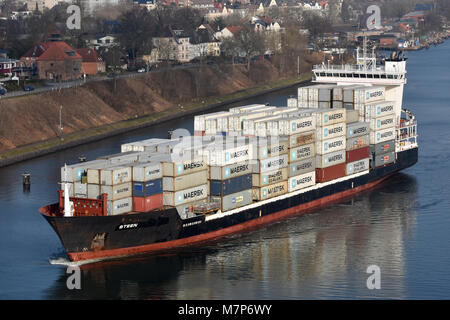 Feedervessel Steen westbound in the Kiel Canal off Kiel Holtenau - Stock Image