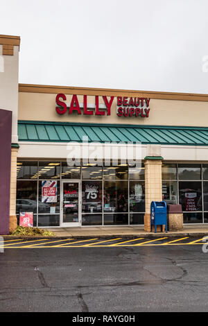 HICKORY, NC, USA-1/3/19: Sally Beauty Supply is the world's largest retailer of salon-quality hair color, hair care, salon and beauty supplies. - Stock Image