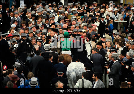 The Epsom Derby Horse Race 1986 Walter Swinburn in green at front rides Shahrastani to victory in the Derby in 1986 - Stock Image