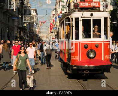 Old red tram on Istiklal Cadessi, Istanbul, Turkey - Stock Image