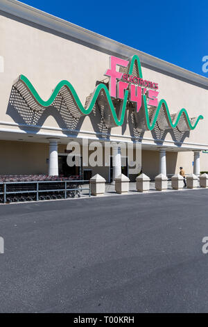 Fry's Electronics, entrance, East Arques Avenue, Sunnyvale, California - Stock Image