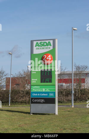 Death of the High Street metaphor / concept - exterior of the ASDA Bodmin 24-hour store, Cornwall. Out of town shopping concept. - Stock Image