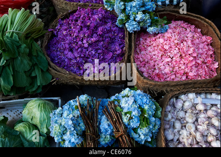 Petals being sold at Ubud Markets, Bali Indonesia - Stock Image