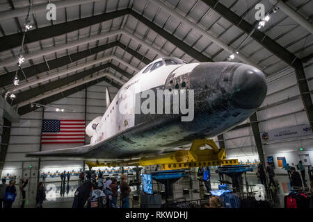 Endeavour space shuttle inside its hanger at the California Science Center in Los Angeles. - Stock Image