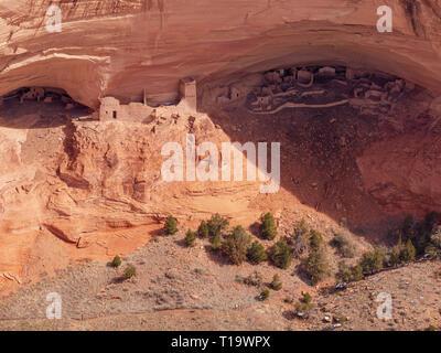 Mummy Cave Ruin, Canyon de Chelly National Monument, Arizona. - Stock Image
