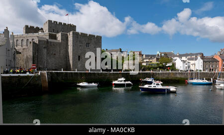 RS 8015  The Harbour & Castle, Castletown, Isle of Man, UK - Stock Image