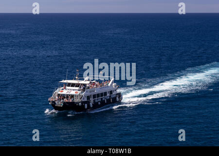Glass bottomed boat at Amadores, Gran Canaria, Canary Islands - Stock Image