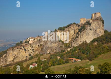 San Leo, a medieval village with castle, built on rocky crag, Emilia-Romagna, Italy, AGPix_1993 - Stock Image
