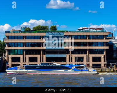 Riverscape Building London - refurbished 1980s office building on the banks of the River Thames, refurbishment architects Barr Gazetas. Thames Clipper. - Stock Image
