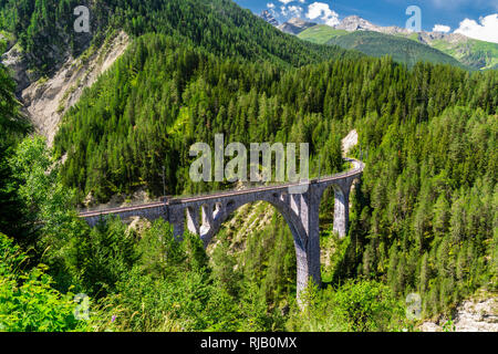 Wiesner Viadukt der Rhätischen Bahn in Graubünden - Stock Image