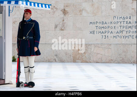 Athens, Greece. Syntagma Square, Evzones guarding the Tomb of the Unknown Soldier. - Stock Image