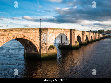 The Old Bridge (also called Berwick Bridge) across the River Tweed at Berwick-upon-Tweed, Northumberland, England - Stock Image