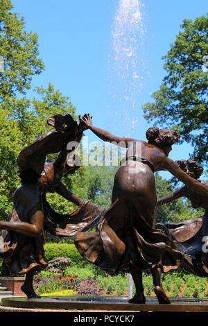 Untermeyer Fountain in the beautiful Conservatory Garden - the only formal garden in Central Park, Manhattan on JULY 4th, 2017 in New York, USA. (Phot - Stock Image