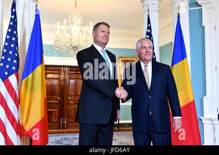 U.S. Secretary of State Rex Tillerson and Romanian President Klaus Werner Iohannis before their bilateral meeting - Stock Image