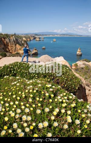 Portugal, Algarve, Lagos, Meia Camilo, Beach & Rocky Coastline - Stock Image