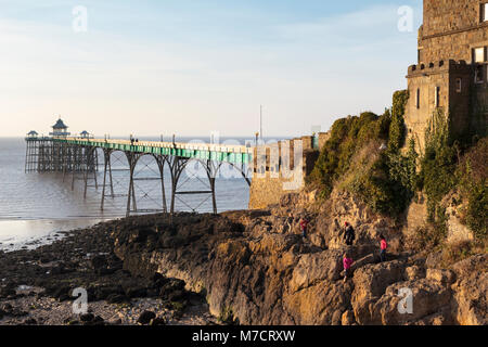 The Victorian Clevedon Pier, Clevedon, North Somerset, at Evening. - Stock Image