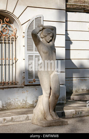 Stone Statue of a Nude Woman in the Gardens of Palias Carnoles, Menton, Cote D'Azure, South of France. - Stock Image