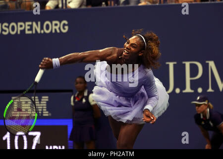 New York, United States. 29th Aug, 2018. Flushing Meadows, New York - August 29, 2018: US Open Tennis: Serena Williams in action during her second round match against opponent Carina Withoeft of Germany at the US Open in Flushing Meadows, New York. Williams won the match in straight sets to advance to the next round. Credit: Adam Stoltman/Alamy Live News - Stock Image