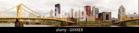 The Allegheny River goes by the amazing city of Pittsburgh - Stock Image